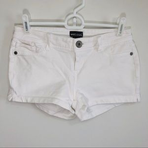 Wet seal stretchy white shorts S juniors